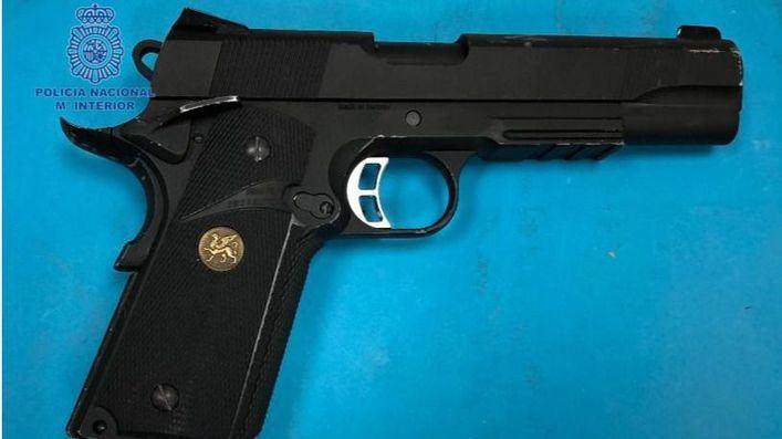 Detenido en Palma por amenazar a un vecino con una pistola de aire comprimido porque