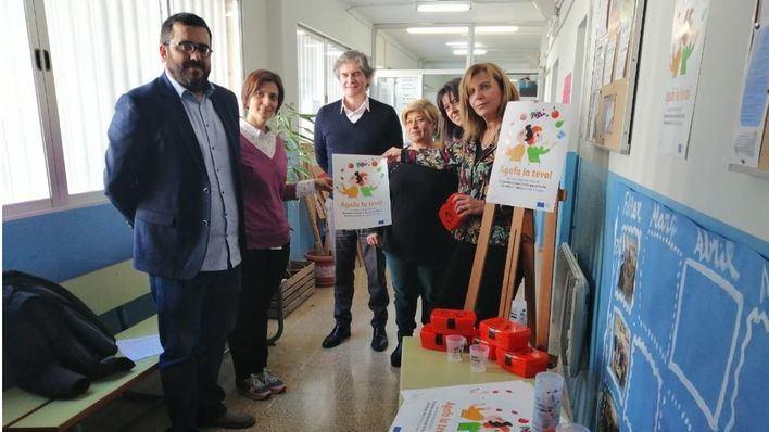 12.000 fiambreras en los colegios para potenciar que los alumnos lleven fruta