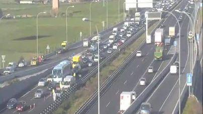 Nueva mañana de caos total en los accesos a Palma por un accidente
