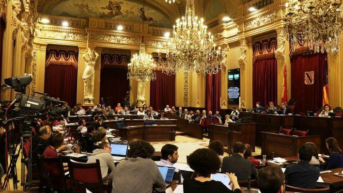 "El Pacte aprueba la Ley de Consultas que prevé referendums municipales ""no vinculantes"""