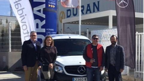Autovidal y Durán entregan una Mercedes Benz al ganador del concurso del Club del Reformista