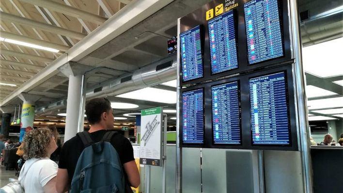 Uno de cada cuatro vuelos en Son Sant Joan sale con retraso