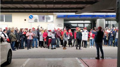 Los limpiadores de Son Sant Joan harán huelga en Semana Santa