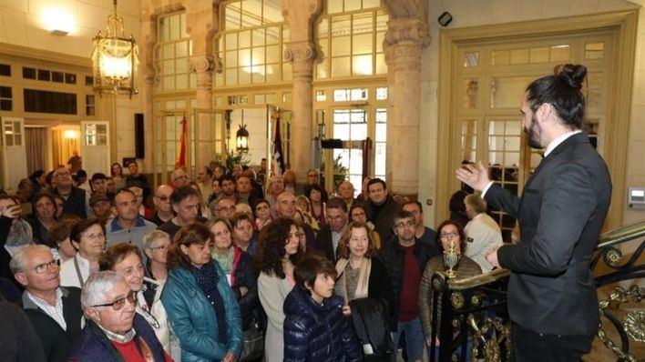 Gran afluencia de ciudadanos para conocer el Parlament