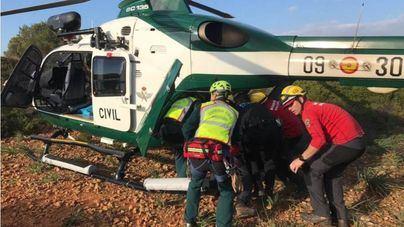 Rescatado en helicóptero un senderista accidentado en la zona de Cala Varques