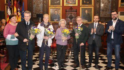 Cort rinde homenaje a la filóloga Aina Moll