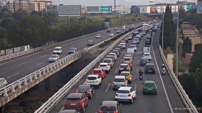 Un accidente en hora punta colapsa los accesos a Palma