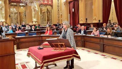 Asunción Pons jura como diputada del PP en sustitución de Camps