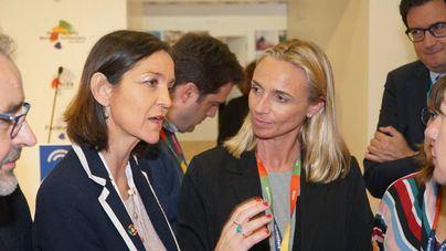 Maria Frontera, en la ITB, junto a la ministra Reyes Maroto
