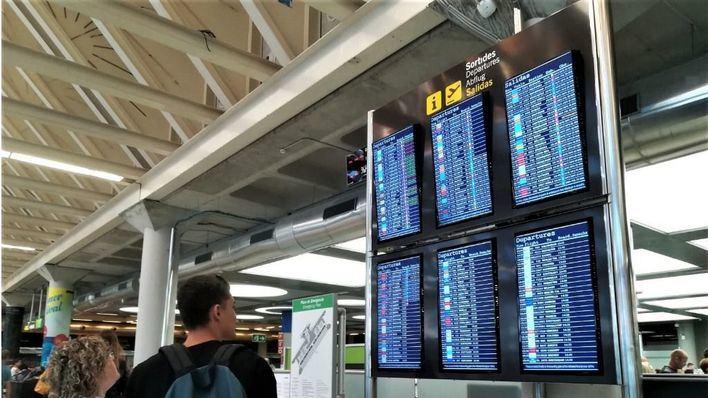 Servicios mínimos del cien por cien el 8M en los vuelos con Baleares