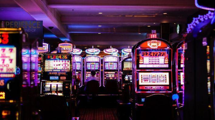 OCU pide prohibir la publicidad de juegos y apuestas