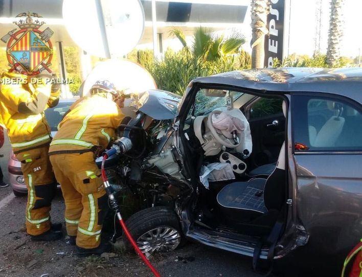Cuatro heridos, dos de ellos graves, en un choque frontal en la carretera de Sóller