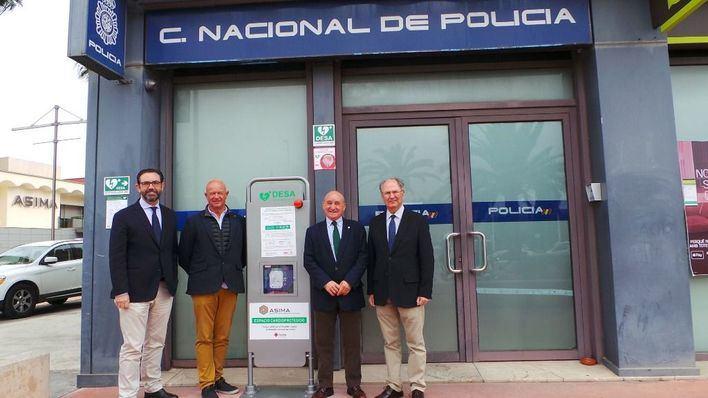 Asima coloca un desfibrilador de última generación en la comisaría de Son Castelló