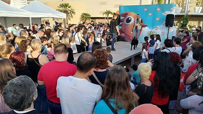 Peluditos de Son Reus organiza un desfile de animales abandonados en Fan