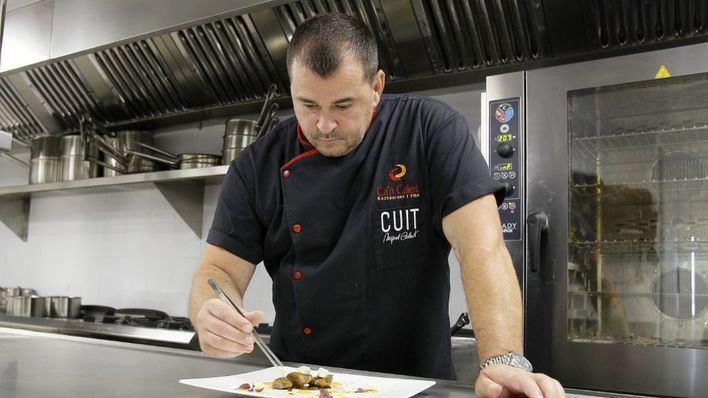 Miquel Calent llega a la Fira del Fang con recetas cocinadas en platos de barro