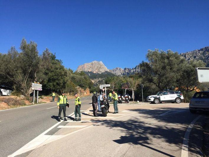 Consell y DGT constatan el alto grado de ruido causado por motos en la Serra