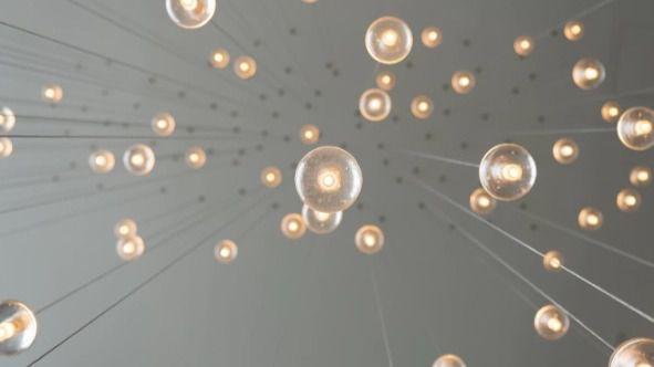 Las bombillas inteligentes pegan con fuerza en la decoración de interiores
