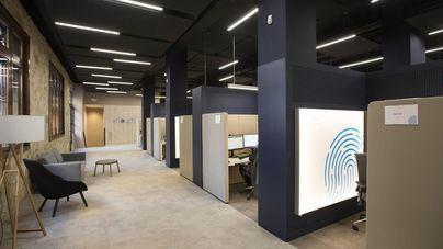 CaixaBank inaugura en Palma un centro de atención al cliente con gestores a distancia