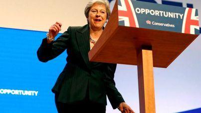 El Parlamento británico apoya a May para que pida a la UE retrasar el Brexit
