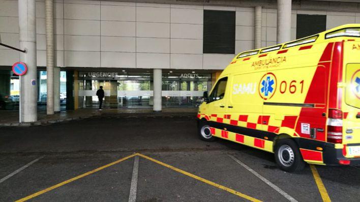 Dos operarios arrollados por un camión sin conductor en Can Valero