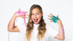 La youtuber infantil Elashow firma en El Corte Inglés de Avenidas