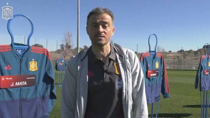 Luis Enrique introduce 8 novedades en La Roja