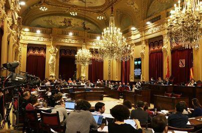 Los partidos que gobiernen no podrán hacer preguntas al Govern en los plenos del Parlament