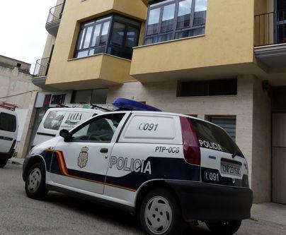 Un policía fuera de servicio sofoca un incendio en Manacor