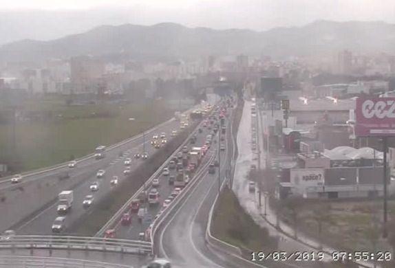 La lluvia colapsa los accesos a Palma
