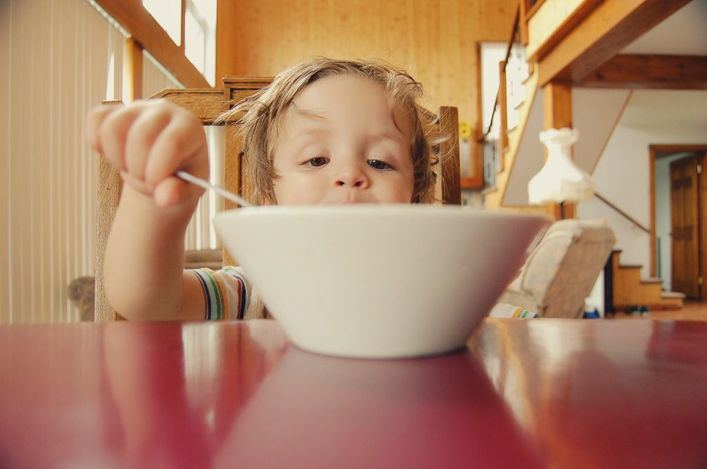 Solo la mitad de los niños realiza un desayuno completo