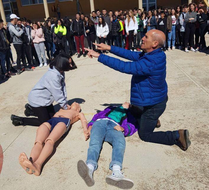 Conciencian a estudiantes de Calvià de la importancia de los primeros auxilios