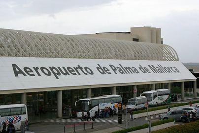 Convocan huelga de 24 horas de limpieza en el Aeropuerto de Palma en Semana Santa