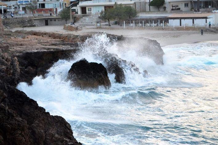 Alertas ante la posibilidad de fuerte oleaje en la costa balear