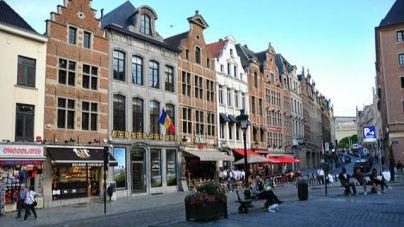 Bruselas obliga por primera vez a un propietario a vender una casa desocupada