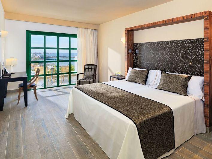 Los hoteleros piden unificar tarifas sobre el pago de derechos de propiedad intelectual
