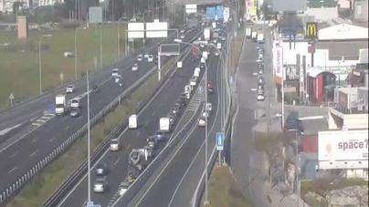 Retenciones de hasta 3 kilómetros en los accesos a Palma por varios accidentes