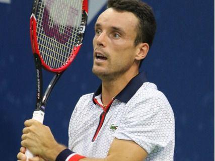 Bautista elimina a Djokovic y jugará contra Isner cuartos de final