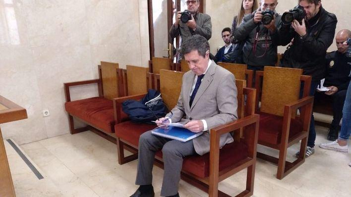 Matas niega haber ordenado un desvío de 120.000 euros durante su última legislatura