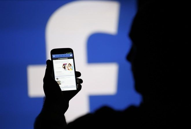 """Facebook prohíbe contenidos de apoyo al nacionalismo y al """"separatismo blanco"""""""