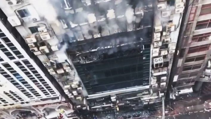 25 muertos en el devastador incendio de un rascacielos en Daca