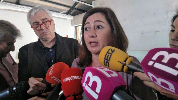 Armengol pide 'cuatro años más' al frente del Govern para no volver 'a la España en blanco y negro'