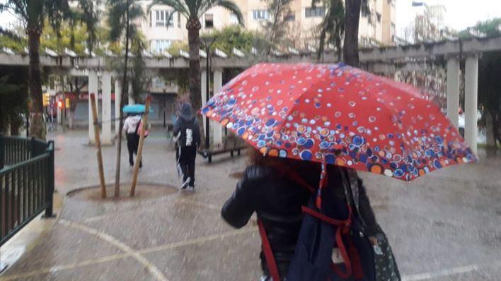 Abril arranca con lluvias intermitentes en Baleares