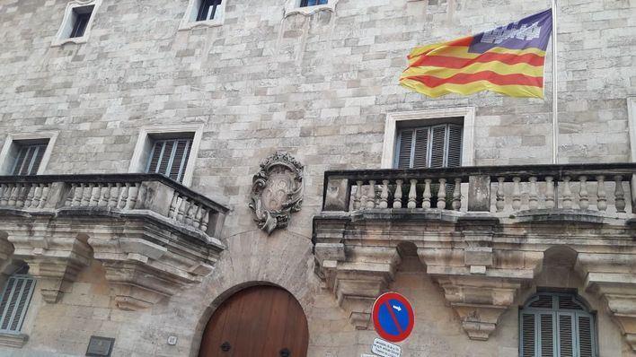 Piden 18 años a un hombre por el homicidio de un joven al que golpeó con una botella en Ibiza