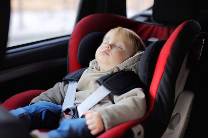 OCU denuncia que dos modelos de sillas de coche exponen a los niños a daños serios