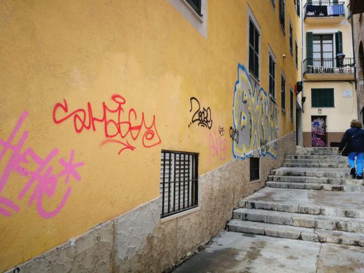 ARCA organiza una tertulia contra la pasividad de Cort ante las pintadas vandálicas