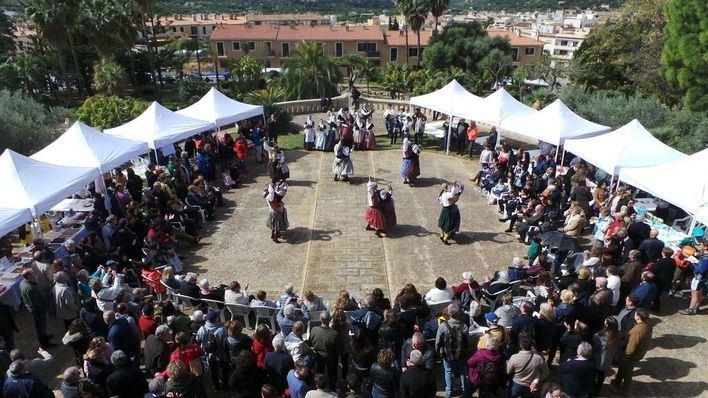 Miles de personas disfrutan de la Fira d'Andratx
