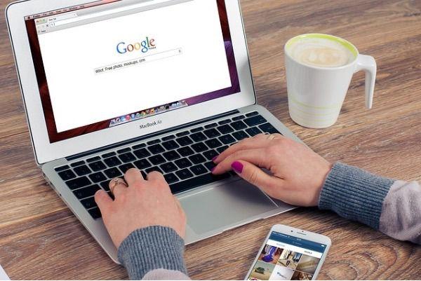 El 56 por ciento de los españoles ya hace reservas turísticas por internet