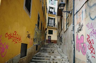 Arca exige a Cort que limpie de inmediato los graffitis para evitar su proliferación