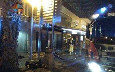 Incendio en la discoteca Zar del Paseo Marítimo