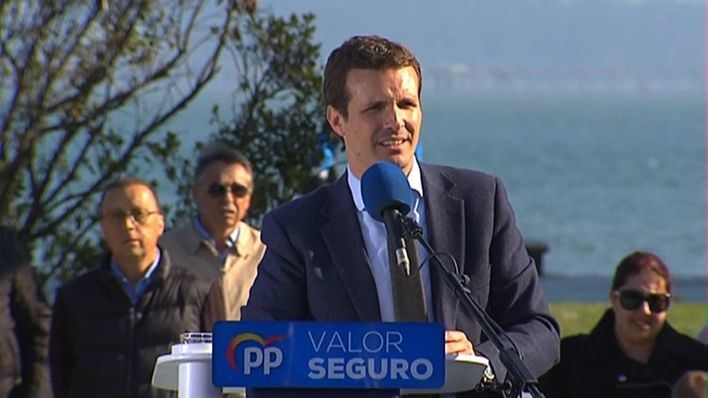 Casado pide 'unir el voto en torno al PP'